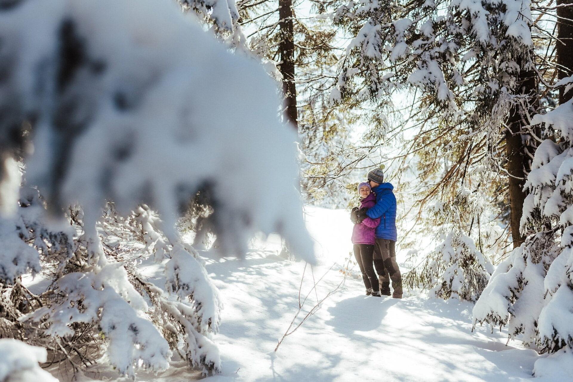 Zimowa sesja narzeczeńska w górach 18