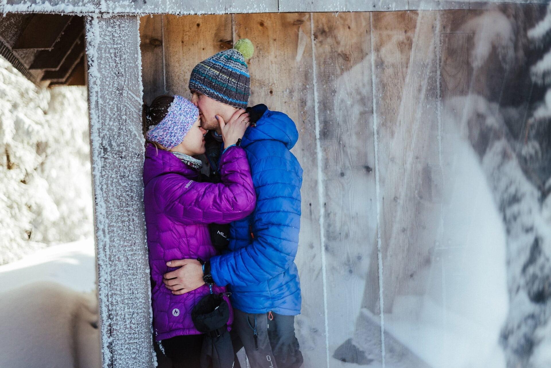 Zimowa sesja narzeczeńska w górach 23