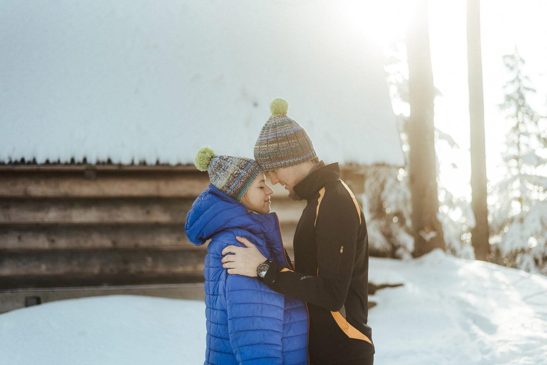 Zimowa sesja narzeczeńska w górach 36