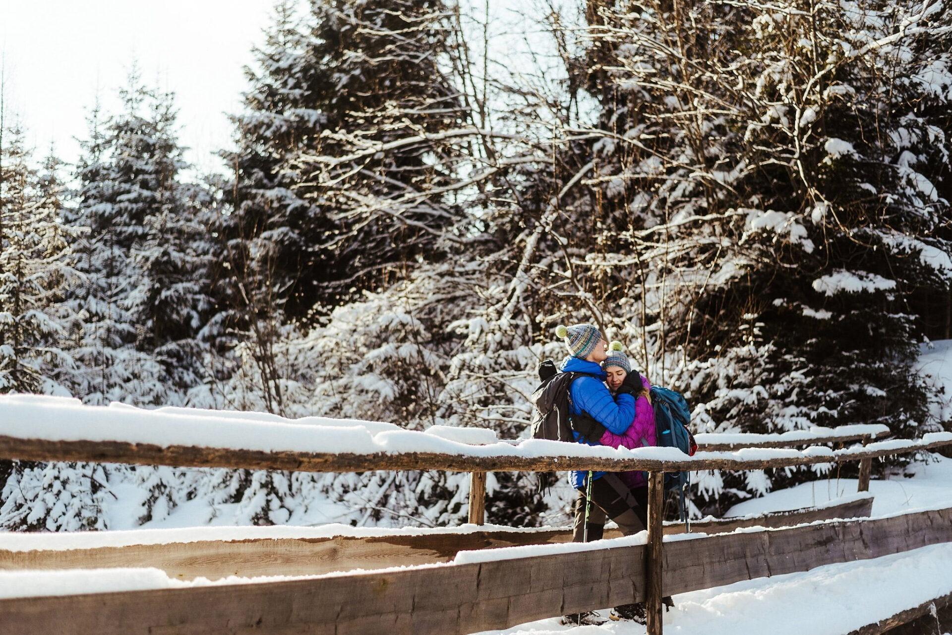 Zimowa sesja narzeczeńska w górach 42